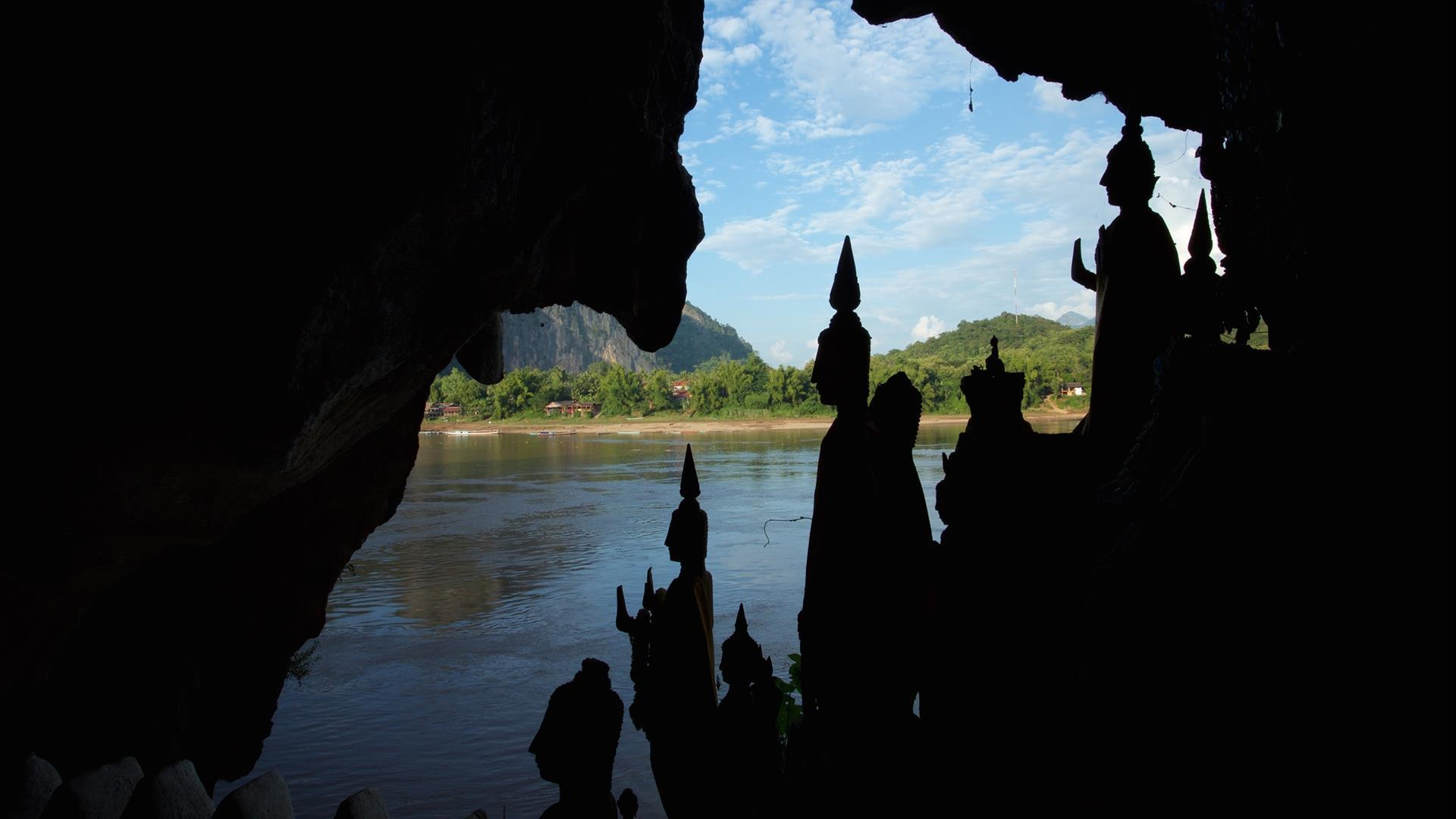Laos, Luang Prabang : Pak Ou Cave, Kuang Si Waterfall, & Bear Rescue Center - 1 Day | Minivan Day Trip to Luang Prabang's Most Famous Sites
