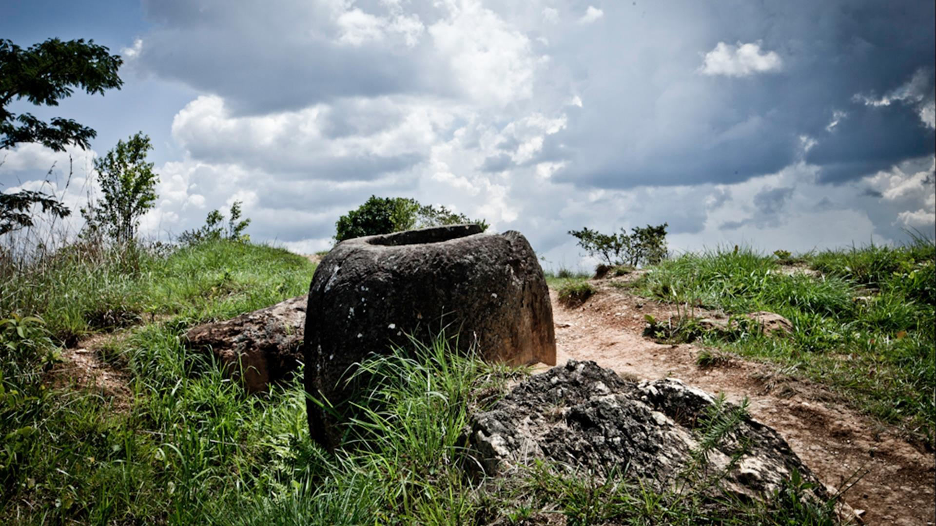 Laos, Phonsavanh: Plain of Jars and Legacy of War - 3 Days | Mysterious Heritage