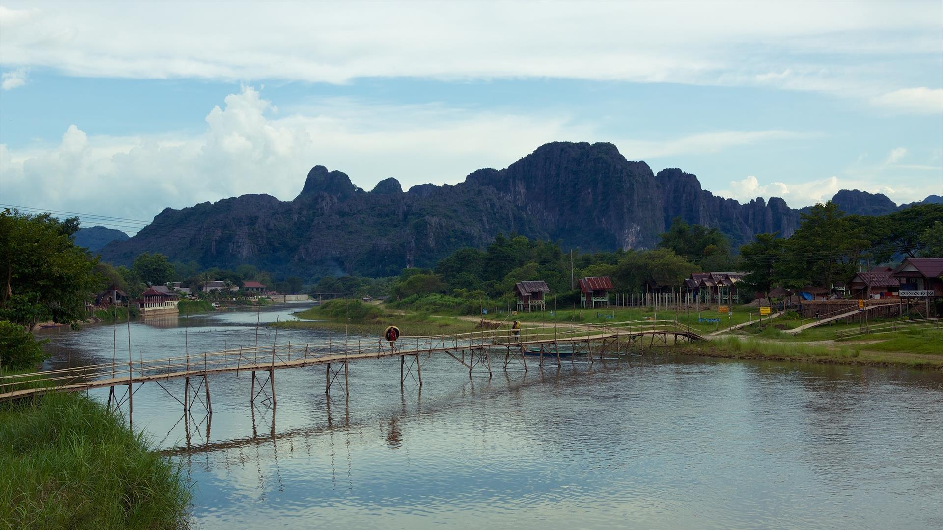 Laos, Vientiane, Vang Vieng, Luang Prabang:  Overland Cities & Mountains - 3 Days | Laos Scenic Ride