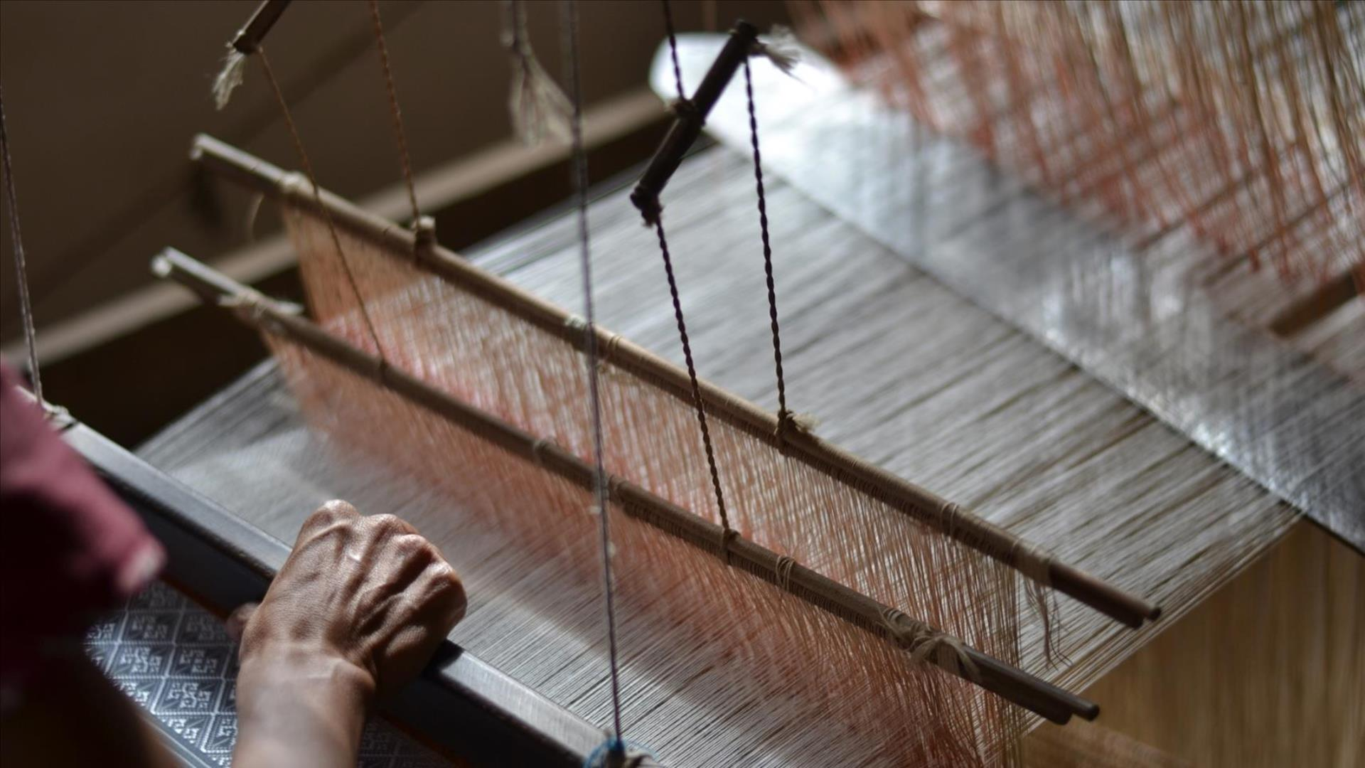 Laos, Nong Khiaw : Muang Ngoi Weaving Village -1 Day | Scenic Nam Ou river by boat to visit a weaving village