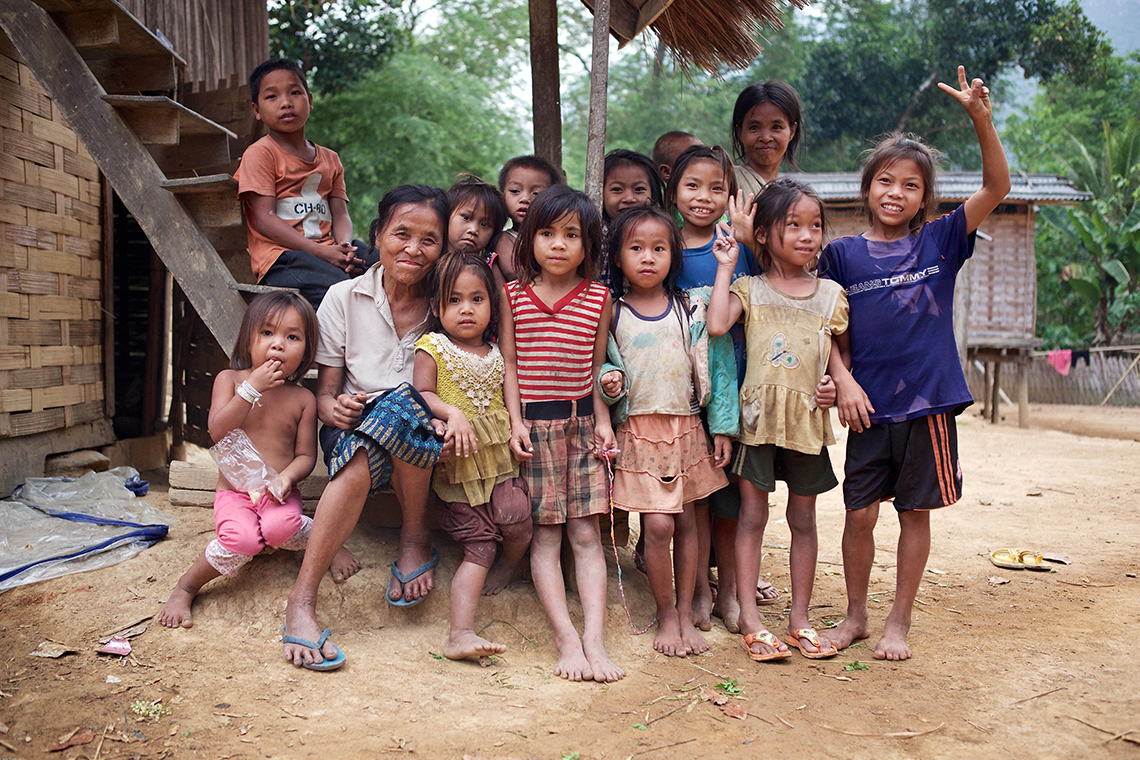 Khmou Village Homestay - Group of Kids